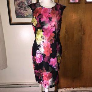 Figure flattering Dress Sz 16